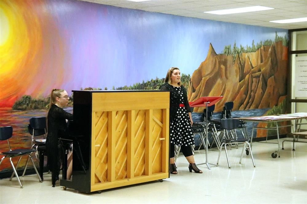 Female student sings at the Festival of the Arts.