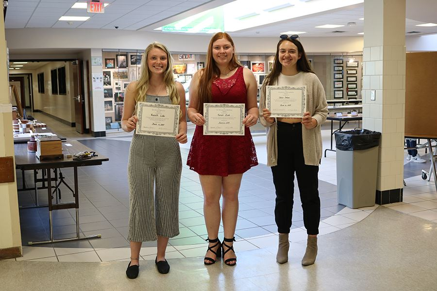 High School students honored at academic award night